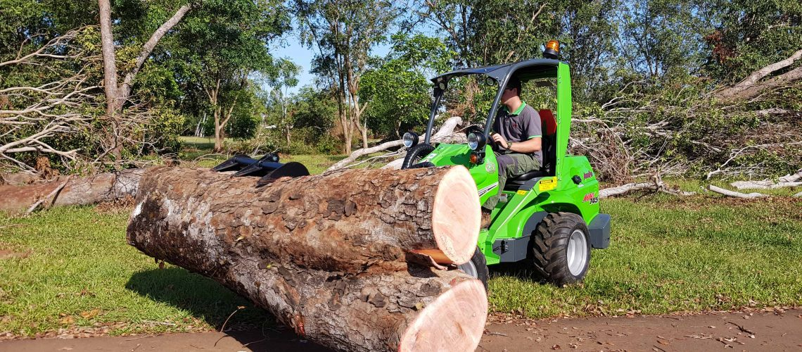 Darwin Tree Cleanup Avant 745 Optidrive Articulated Mini Loader W/ HD Log Grab